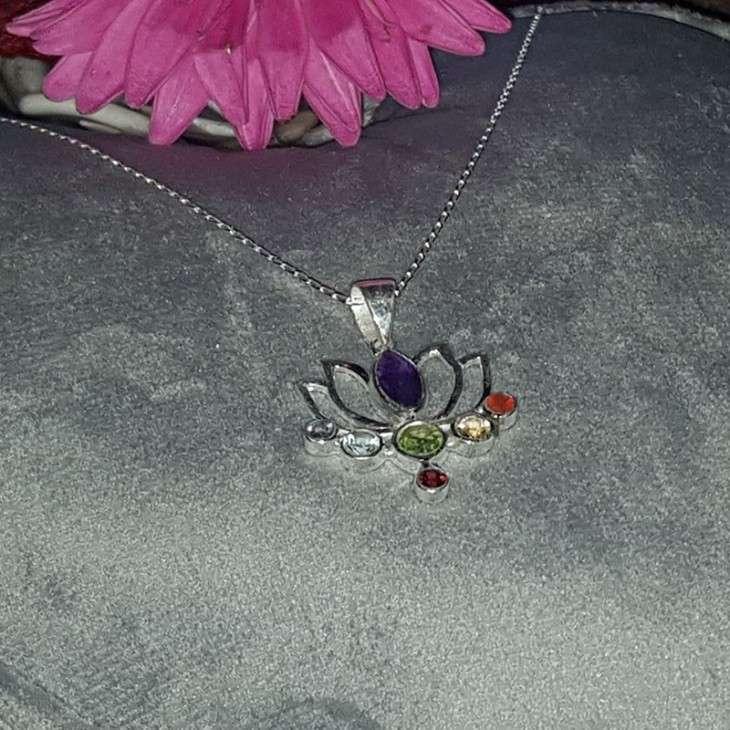 Pendentif Fleur de lotus en Argent 925 et sa chaîne de 45 cm