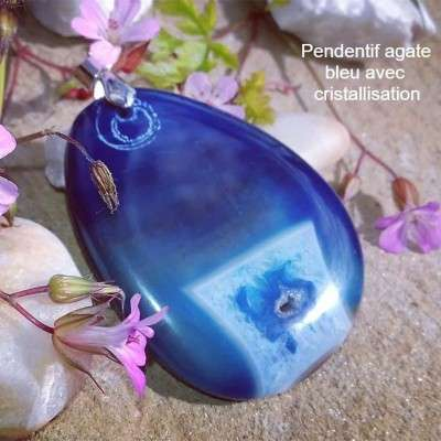Pendentif en Agate bleu avec cristallisation - 3